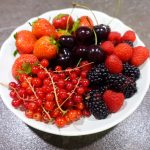 fruchtige Rote-Beeren-Torte