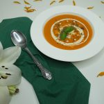 sebze suyunda kremalı domates çorbası